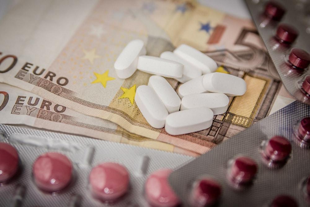 Zuzahlungsbefreiung Krankenkasse Geld Tabletten