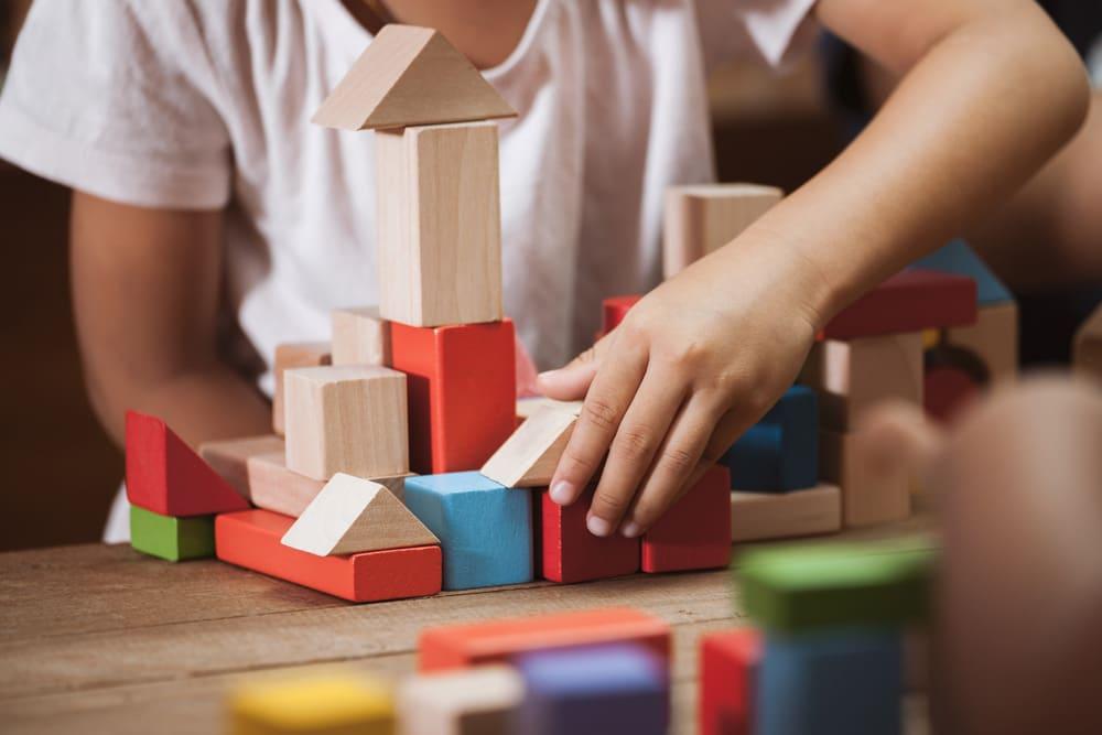 Änderungen ab Oktober Blei in Spielzeug Bauklötze
