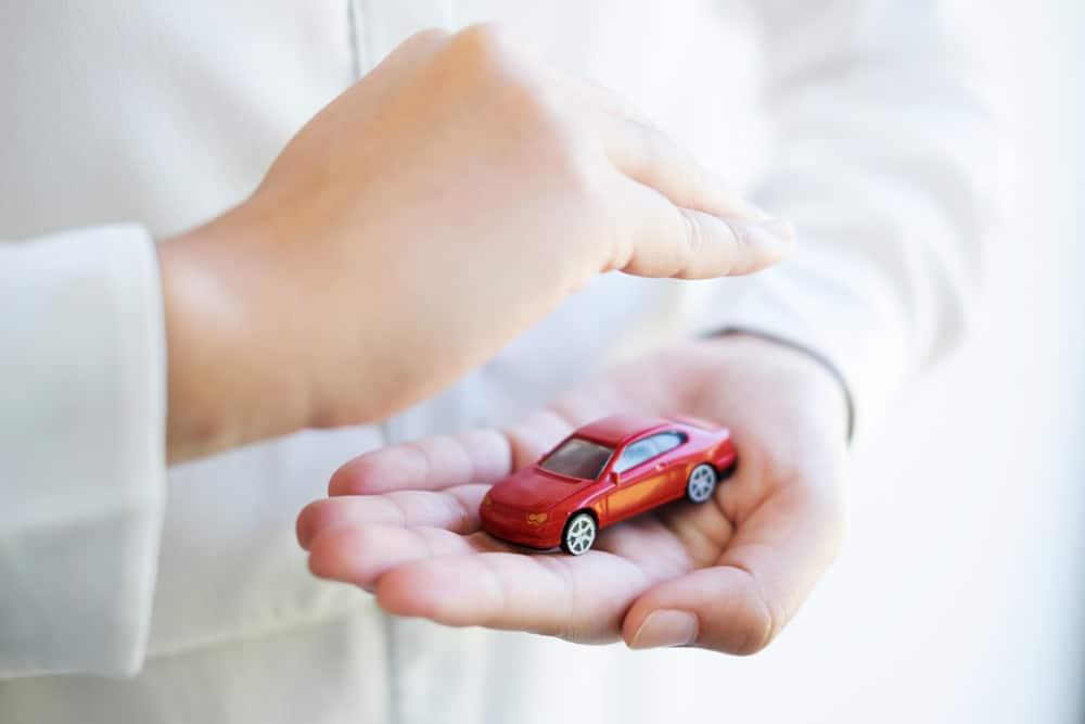 Schadenfreiheitsrabatt übernehmen Automodell Schützende Hände