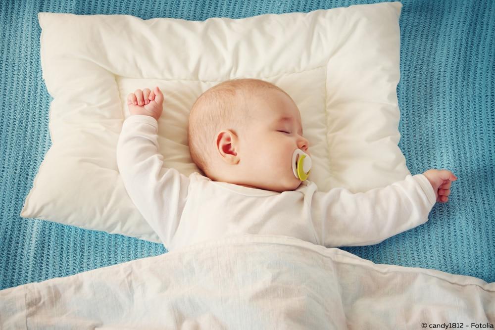 kleinkind ab wann welcher gr e eine bettdecke statt schlafsack. Black Bedroom Furniture Sets. Home Design Ideas