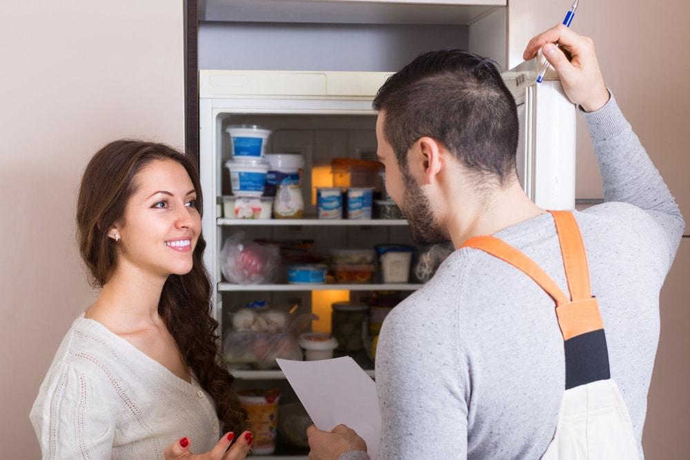 Kühlschrank gefriert Techniker unnötig