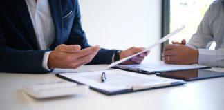 Lebensversicherung stilllegen Gespräch Kunde Anbieter