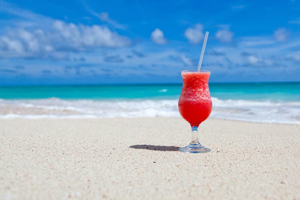 Cocktail am Strand Urlaubsansprüche