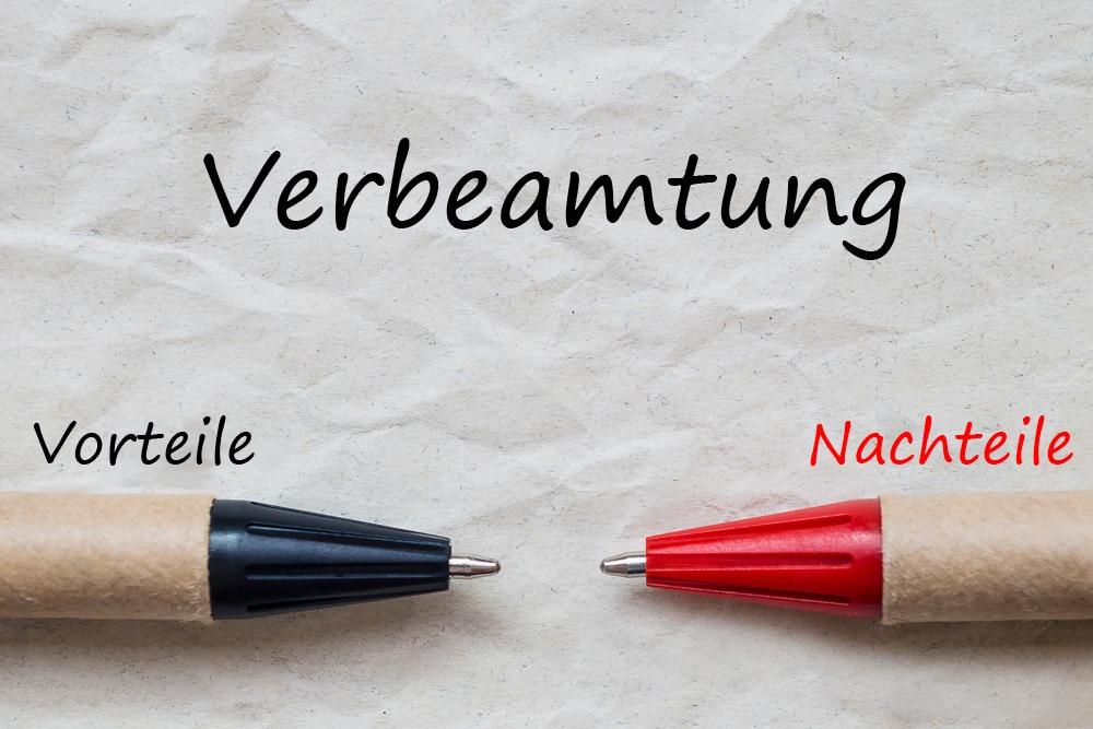 Verbeamtung Stifte symbolisieren Vorteile und Nachteile