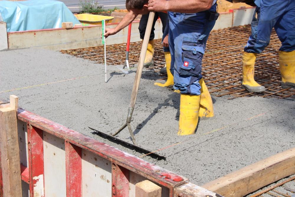 Bauarbeiter beim Hausbau