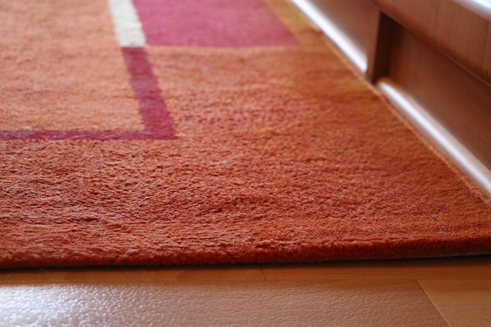 Teppich auf Fußboden