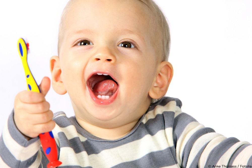 Baby Zähne putzen